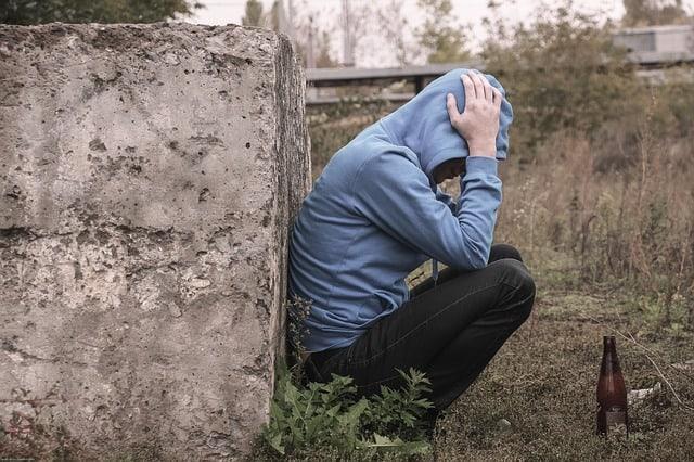 Apua päihdeongelmaan, apua riippuvuuteen, päihdeongelma, riippuvuus,alkoholiongelma,alkoholismi, huumeongelma